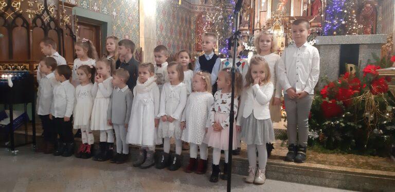 Koncert kolęd w wykonaniu dzieci